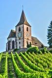 Haut Rhin, den pittoreska byn av Hunawihr i Alsace Arkivbild