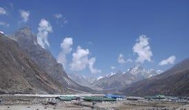 Haut village de l'Himalaya Photographie stock