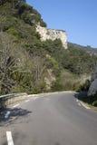 Haute Alpes, Luberon parkerar den utvändiga Lourmarin byn, Provence Royaltyfri Foto