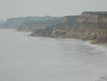 Haute côte par la mer Image stock