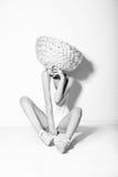 Haute-coutures. Glamour. Extravagante Vrouw met Creatief Kapsel Stock Foto's