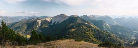 Hautes Alpes法国Panoramatic视图  库存照片