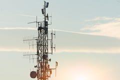 Hautes antennes de répétiteur Photo stock