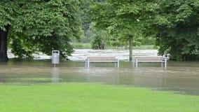 Hautes eaux 100 ans inondation en juin 2013 - Gera, Allemagne banque de vidéos