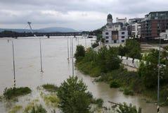 Hautes eaux sur Danube à Bratislava, Slovaquie Images stock