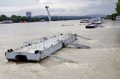 Hautes eaux sur Danube à Bratislava, Slovaquie Photographie stock libre de droits
