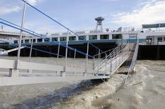 Hautes eaux sur Danube à Bratislava, Slovaquie Photos libres de droits