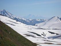 Hautes montagnes sous la neige Photos libres de droits