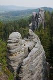 Hautes tours de roche dans le paradis de Bohème Photographie stock