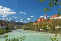 Hauts palais et monastère de Mang de saint dans Fuessen images stock