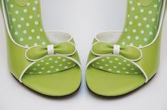 Hauts talons verts, avant Photo stock