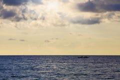 hav över solnedgång Arkivfoto