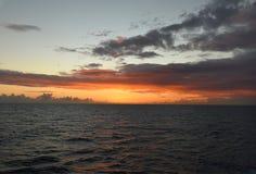 hav över solnedgång arkivfoton