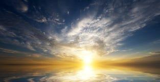 hav över soluppgång Arkivbilder
