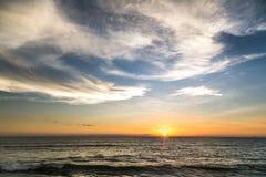 hav för ö för bali strand indiskt över den tagna solnedgången Arkivbilder