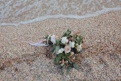 Hav för bröllopbukett ashore Royaltyfri Foto