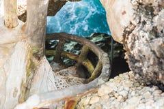 Hav för grottaparadisblått och himmelavkopplingparadis på strandturism Royaltyfri Foto
