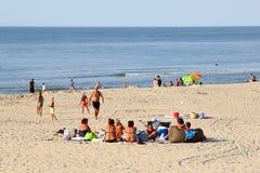 Hav för strand för familjfolk vitt, Renesse, Nederländerna Fotografering för Bildbyråer