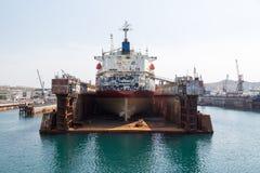 Hav-hantverk, skeppsdockor och portkranar Royaltyfria Foton