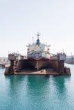 Hav-hantverk, skeppsdockor och portkranar Royaltyfri Foto