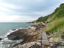 Hav himmel, soluppgång, strand, hav, strand, berg, hav, härligt landskap, Thailand, Khao Laem Ya, Rayong Royaltyfri Bild