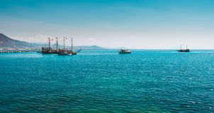 Hav i Turkiet Turkiska kustferier i Turkiet royaltyfria bilder