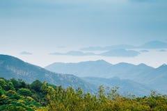 Hav och ö från Po Lin Monastery i Hong Kong arkivbild