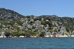 Hav och gräsplanbrant klippa Fotografering för Bildbyråer