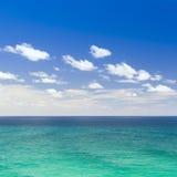 Hav och himmel arkivfoto