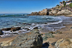 Hav och Rocky Cove Royaltyfria Bilder