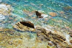 Hav och stenar, lanscapebakgrund Arkivfoto
