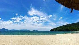 Hav, sand och himmel Fotografering för Bildbyråer