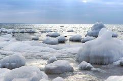 Is hav, snö, förkylning, vinter, landskap, lopp som är baltiskt, turism arkivbilder