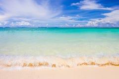 Hav, strand och himmel Arkivfoton