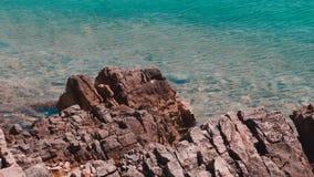 Hav, två öar och ett berg Tisno Kroatien stock video