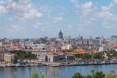 Havana Cityscape som tas på en molnig dag arkivfoton