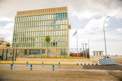 HAVANA, CUBA - AUGUSTUS 30, 2015: De ambassade van de V.S. binnen Stock Foto