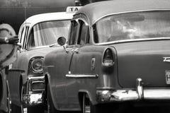11/03/2015, Havana, Cuba: Het oude Amerikaanse gezicht van de auto'stribune van highl stock fotografie
