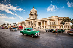 HAVANA, CUBA - JUNE 7, 2011: Old classic American car rides Royalty Free Stock Photos