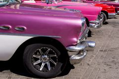 Havana, Cuba Kleurrijke klassieke jaren '50auto's royalty-vrije stock afbeelding