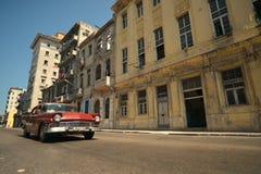 Havana, Cuba, 30 Mei, 2016: Uitstekende auto op de straat van Havana Stock Foto's