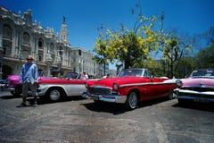 Havana, Cuba, o 31 de maio de 2016: Limusinas velhas nas ruas de Havana fotografia de stock royalty free
