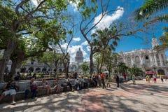 HAVANA, CUBA - OKTOBER 20, 2017: Havana Old Town Central Park stock afbeelding