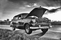 HAVANA, KUBA 26. DEZEMBER 2017: Schwarzweiss-Bild alten Autos I Stockfotografie