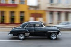HAVANA, KUBA - 21. OKTOBER 2017: Altes Auto in Havana, Kuba Pannnig Retro- Fahrzeug normalerweise unter Verwendung als Taxi für l Lizenzfreies Stockfoto