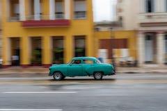 HAVANA, KUBA - 21. OKTOBER 2017: Altes Auto in Havana, Kuba Pannnig Retro- Fahrzeug normalerweise unter Verwendung als Taxi für l Stockfoto