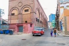 HAVANA, KUBA - 20. OKTOBER 2017: Havana Old Town Architecture Bunte Gebäude Stockfotografie