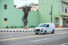 HAVANA, KUBA - 20. OKTOBER 2017: Havana Old Town und Malecon-Bereich mit Monument Lizenzfreies Stockbild