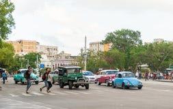 HAVANA, KUBA - 20. OKTOBER 2017: Havana Old Town und Verkehr Stockbild