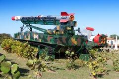 Havannacigarr. FästningMorro- Cabana. Utställningen av det sovjetiska vapnet ägnade till minnet av den karibiska krisen (kubansk m Royaltyfria Bilder